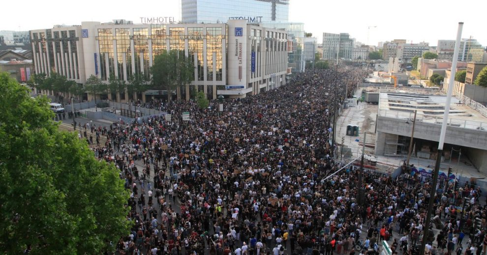 Thousand Defy Ban in Paris to Protest as George Floyd Outrage Goes Global