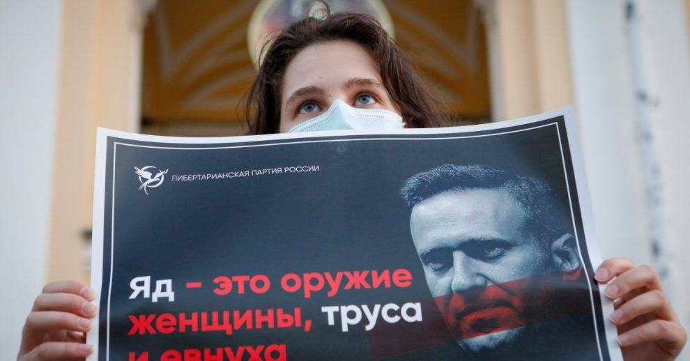 Russian Doctors Refuse Alexei Navalny's Transfer to Germany and Say He Wasn't Poisoned