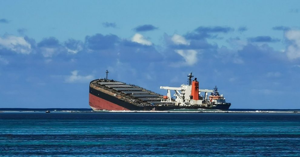 Stranded Ship Off Mauritius Coast Breaks in Two, Spilling Tons More Oil Near Protected Ocean Waters