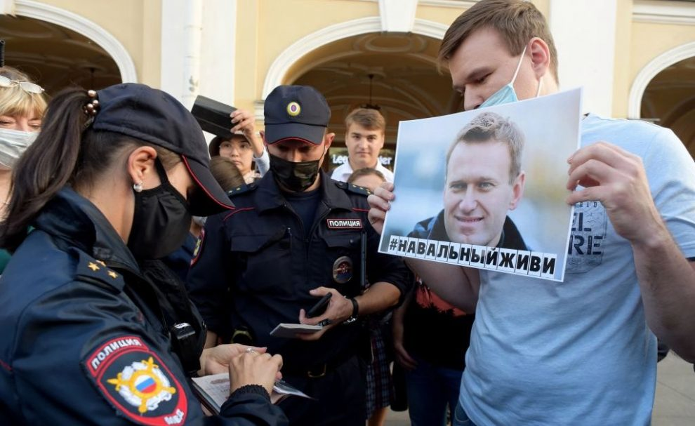 Russia Cracks Down on Opposition Movement Ahead of Pro-Navalny Protests This Weekend