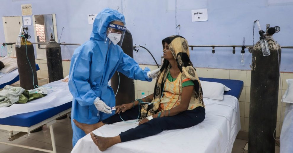 India Reports a Record Day of Virus Deaths Even as COVID Cases Level Off