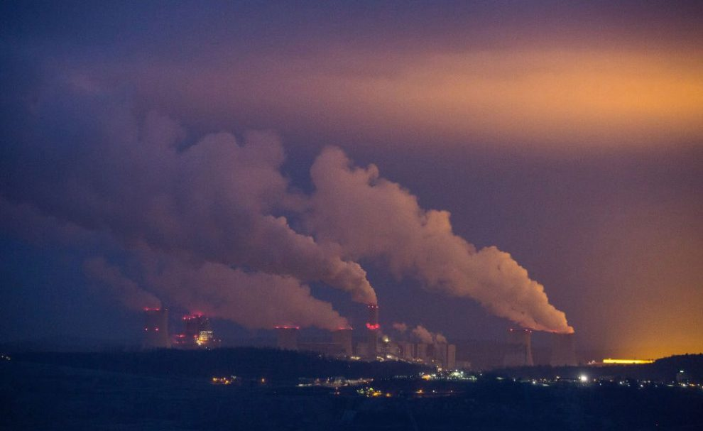 Global Electricity Production Is Roaring Back—and So Are CO2 Emissions
